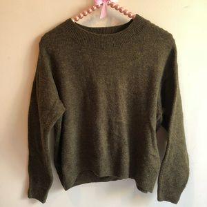 H&M Olive Garden soft sweater