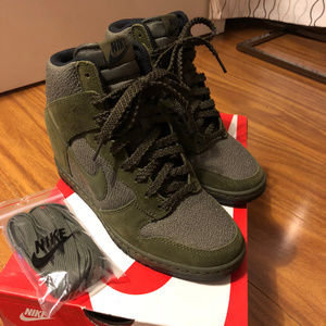 NEW Nike Dunk Sky Hi Sneakers Wedge 6.5 Green