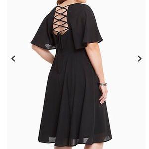 NWT torrid size 16 lace up back midi dress