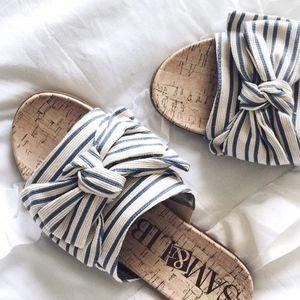 Sam & Libby slide sandal with bow detail size 91/2