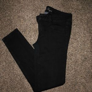 Black jegging pants from AE!