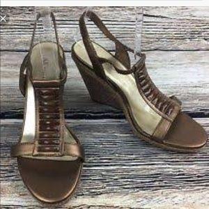 Anne Klein T strap sandals
