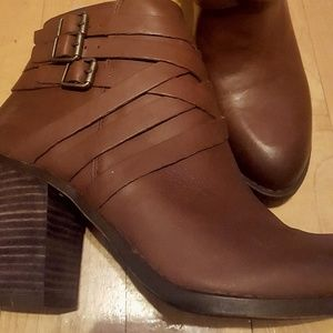 NWOT Brown Lucky Brand Leather Booties