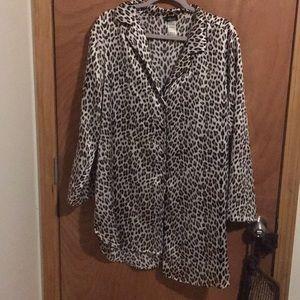 Other - Cheetah print polyester pajama button top