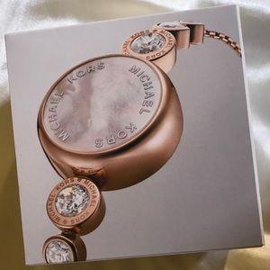 f69efc6bac53 Michael Kors Accessories - BNIB Michael Kors VarickAccess Smartwatch  RoseGold