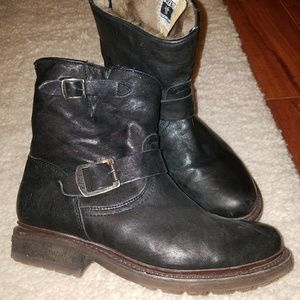 """FRYE Valerie 6"""" shearling lined boots"""