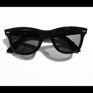 Brand new women's Ray Ban sunglasses 4340