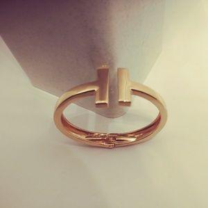 NEW IN !!! Rose Gold T bracelet