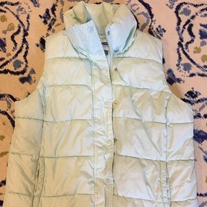 Old Navy frost free Mint puffer vest