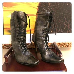 Women jazzy above-ankle lace up boots 👢