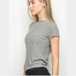 BRANDY MELVILLE GRAY RIBBED TOP