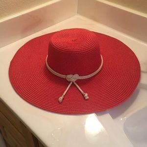 Red sun/beach hat