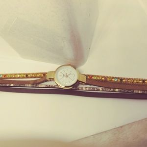 BRAND NEW IN!! Brown triple wrap watch
