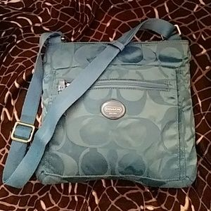 COACH Get Away File Bag (F77408)