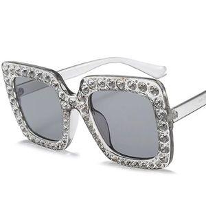 Trendy Rhinestone Square Sunglasses Stone (Clear)