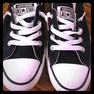 Classic Converse 🖤