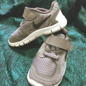 EUC Gray Baby Nike Free 5.0 Running Shoes SIZE 6C