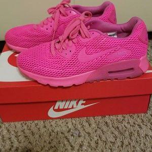 Hot Pink Nike Air Max!