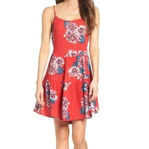 NWT💕 Mary & Mabel Floral Dress lace back flounce