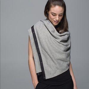 EUC Lululemon Vinyasa scarf/wrap