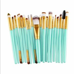 Aqua 20pc make up brushes