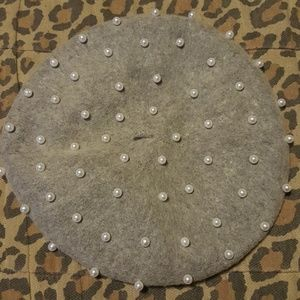 Brand NWOT gorgeous pearl embellished beret
