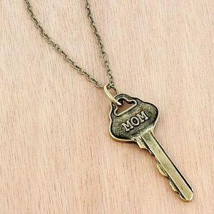 Jewelry - Goldtone 'Mom' Key Pendant Necklace