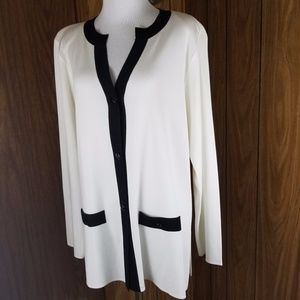 Exclusively Misook sz M button down cardigan