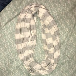 gray and white infinity scarf