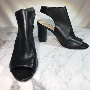 VIA SPIGA Cut-out bootie heels. Gorgeous EUC ❤️