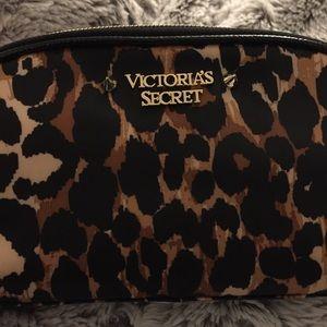 VS Pink Exotic Leopard Print Makeup Bag
