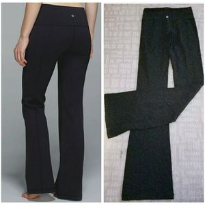 Lululemon groove pant roll down black sz 2 comfy