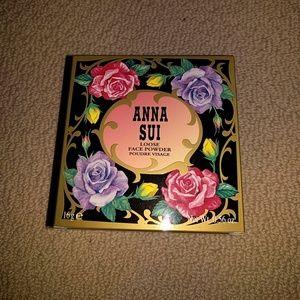 Anna Sui loose face powder