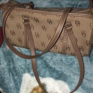 Brown/tan dooney & bourke shoulder bag