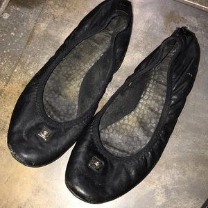 DP Black leather ballet flat