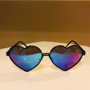 WiILDFOX Lolita Deluxe Sunglasses with case