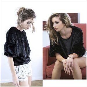 Faux Fur Pullover Sweater M, L✨