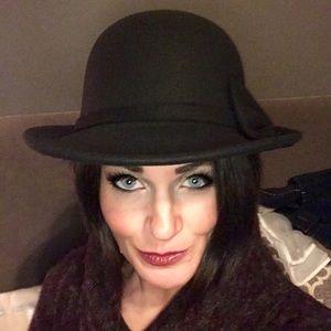❄️ Black Wool Felt Cloche Bowler Hat W/Bow