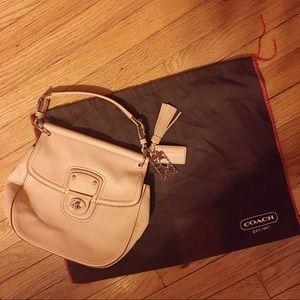 🆕💁🏻♀️Coach Leather Willis Bag w/ Legacy Stripe