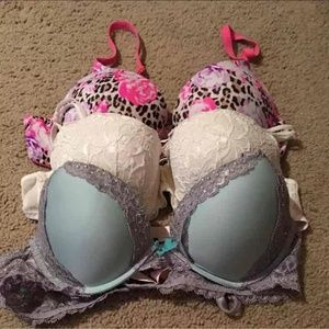 VS (36-B) Bra Bundle