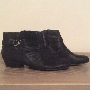 Ankle boots, with cute buckle design
