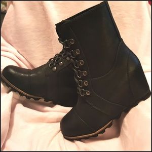 Merona Womens Hiker Lace Up Wedge Boots Size 7