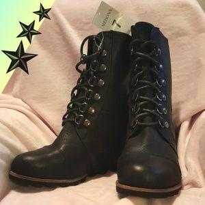 590bf222cb9 Merona Shoes - Merona Womens Hiker Lace Up Wedge Boots Size 7