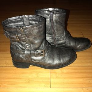 Size 7.5 bootie