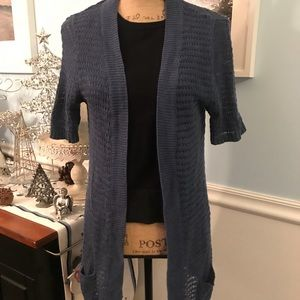 Great sweater. Size SP in a blue💙