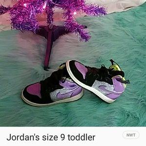 Girls Jordan's like new
