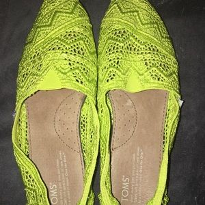 "Toms ""Classic"" lime green crochet shoes size 9"