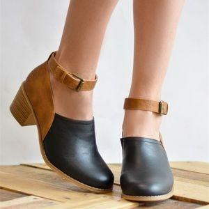 Heel clogs