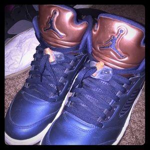 Jordan retro Bronze 5s
