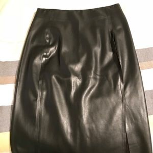 NWOT Faux leather skirt 🎀